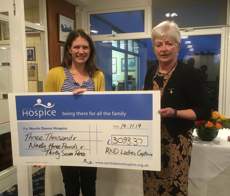 Golfing Girls Generosity gifts £3000+ to North Devon Hospice